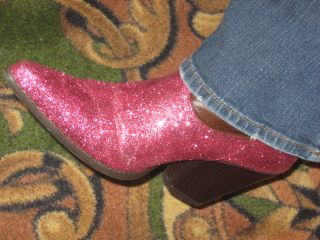 She made these last June and wore em for the Paper Cowgirl Retreat where she taught!