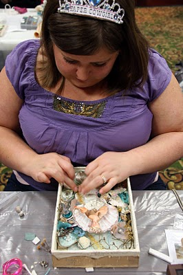 Gypsy Mermaid Sarah finishes Marie as a Mermaid (Dale Sea Dream Studio's Class)
